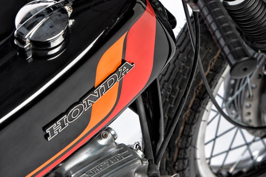 Honda CB750 cafe racer retro