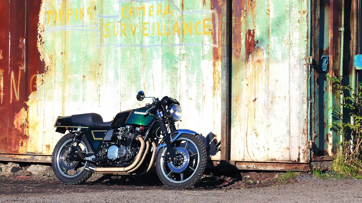 Kawasaki Z1000ST cafe racer