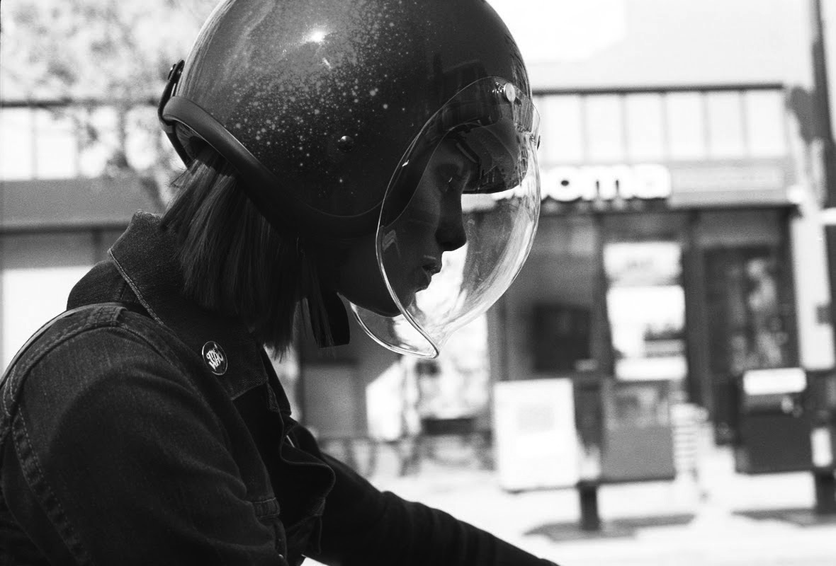 Return of the Cafe Racers - Motorcycle Girl 083