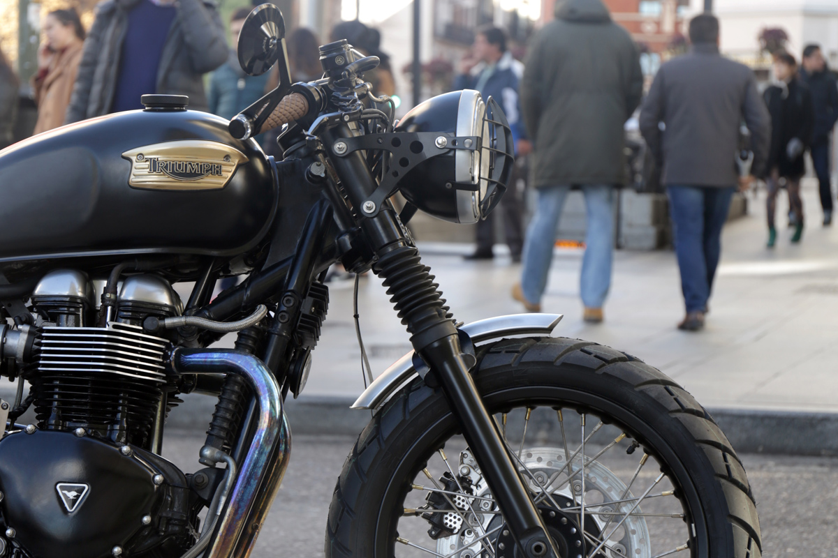 Triumph Thruxton 900 custom build