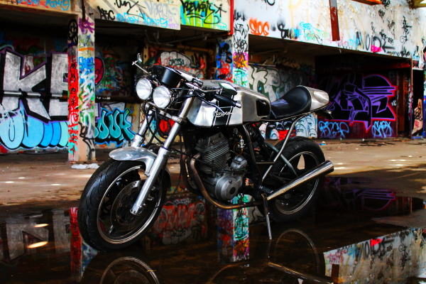 Return of the Cafe Racers - Yamaha XT600 The Mongrel
