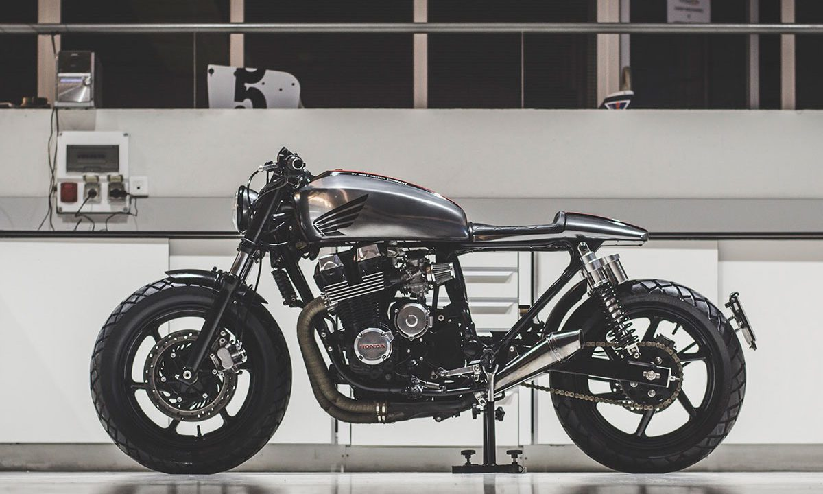 Bolt honda CB750 cafe racer