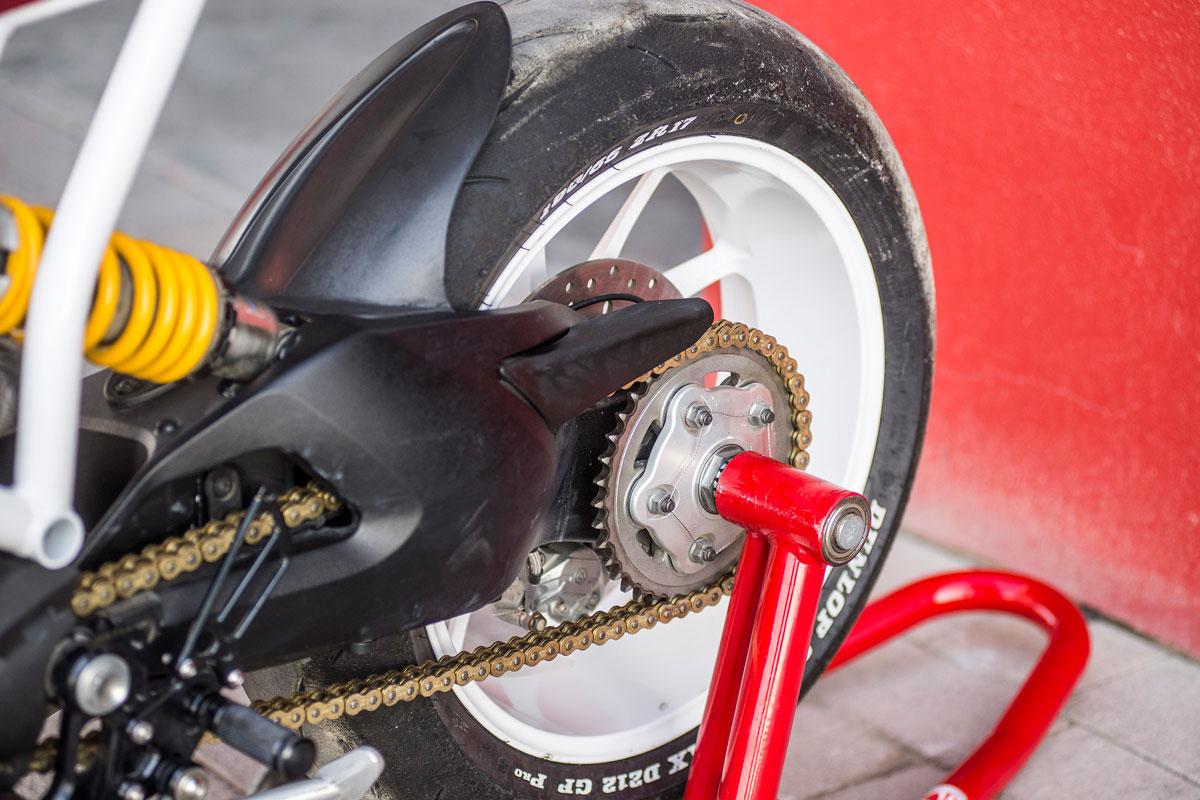 Ducati Monster 1100 cafe racer
