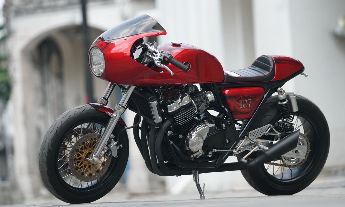 Honda cafe racer cb400
