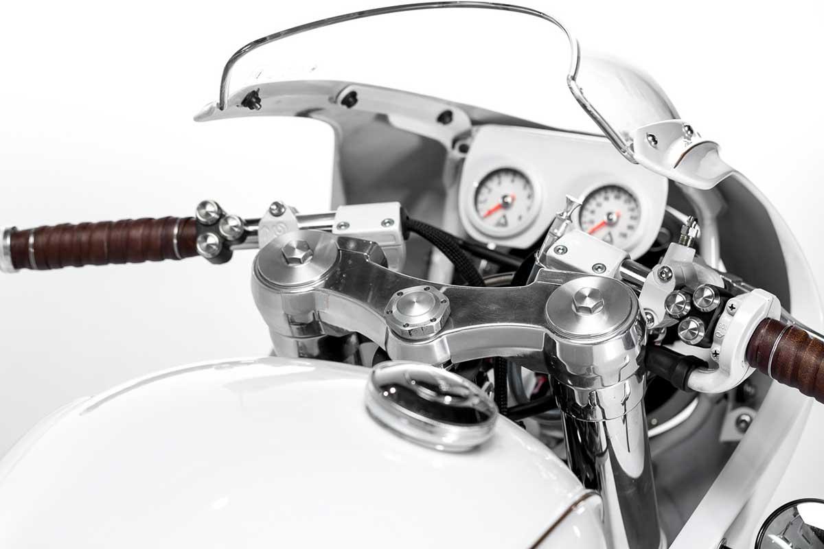 Triumph scrambler cafe racer