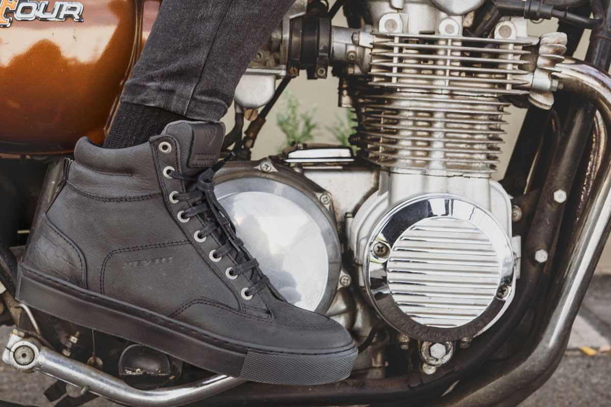 Revit womens boots
