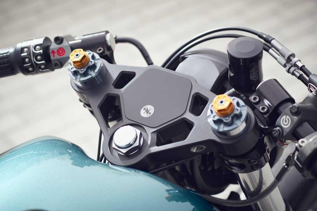 Custom Triumph Thruxton 900