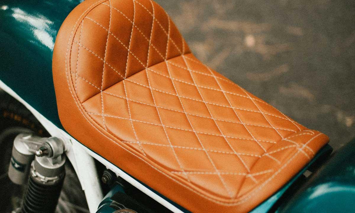 Cafe racer diamond stitch seat