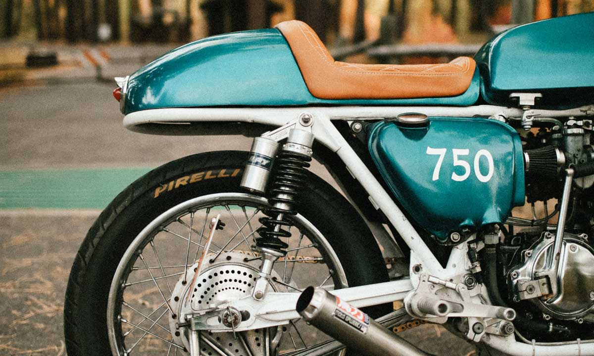 Cafe racer tail section