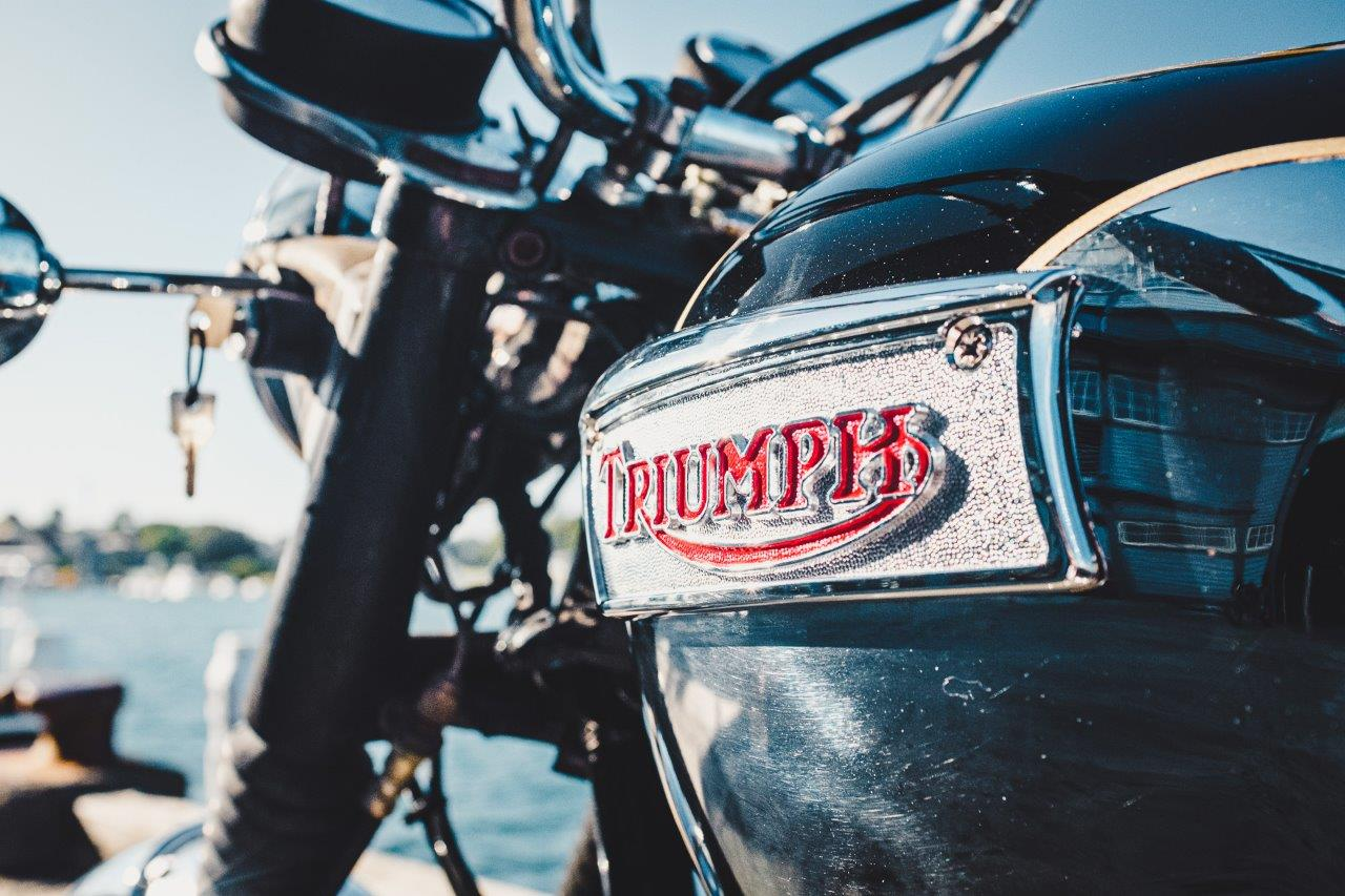 1973 Triumph Bonneville T140V - tank and badge