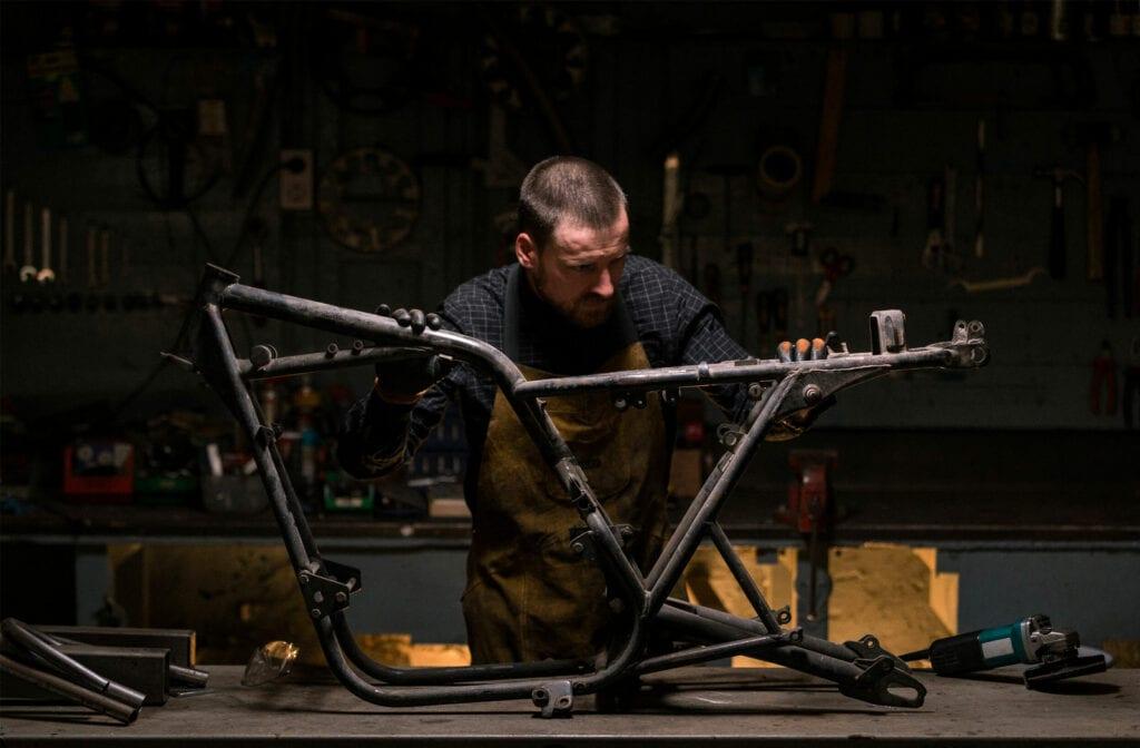 Building a Kawasaki cafe racer