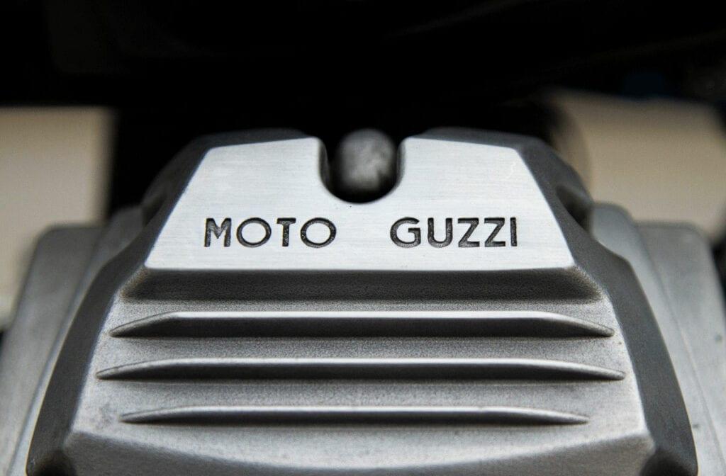 Guzzi cylinder head