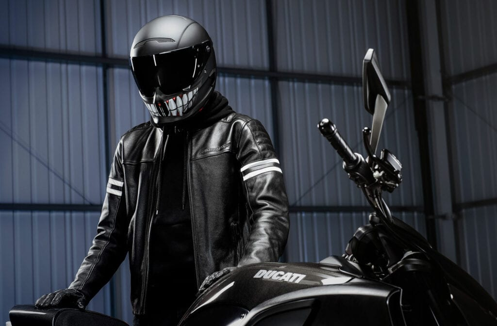 Atlas 3 motorcycle helmet