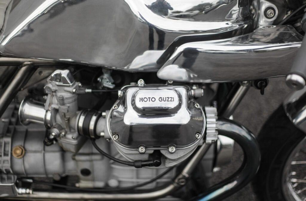 Moto Gussi 1000SP engine