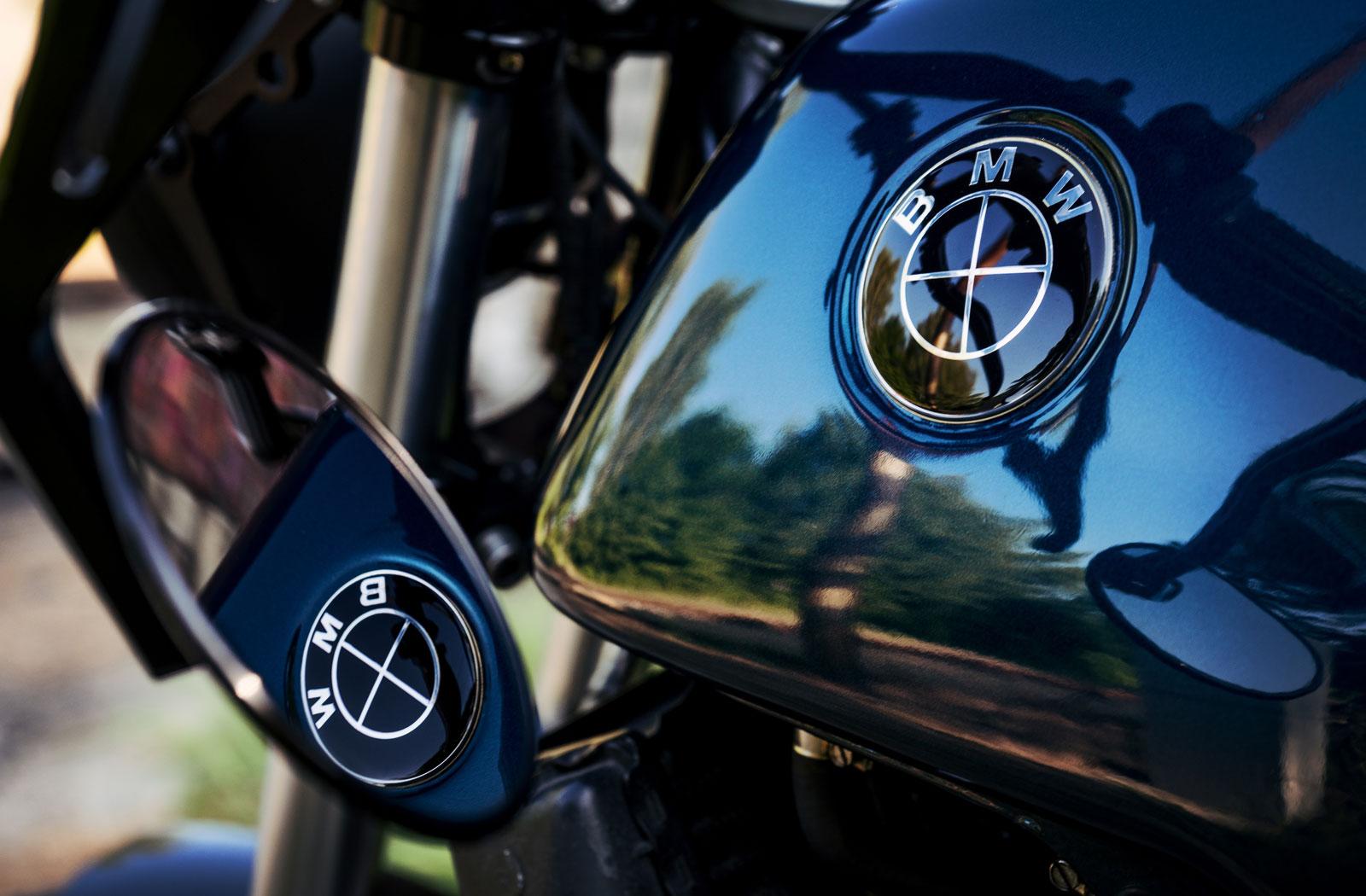 Blackout Customs BMW K100RT