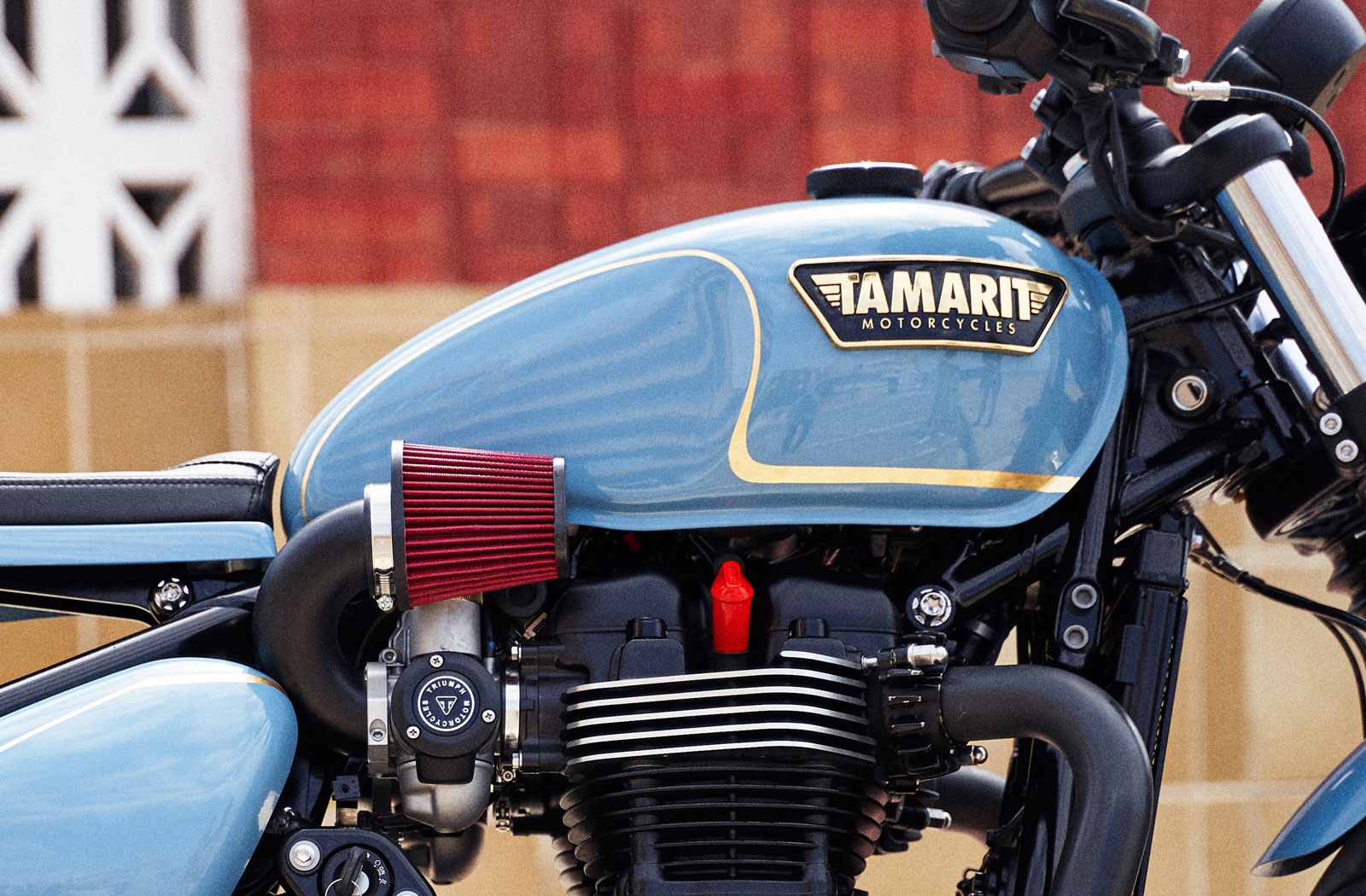 Custom Triumph Bobber intake