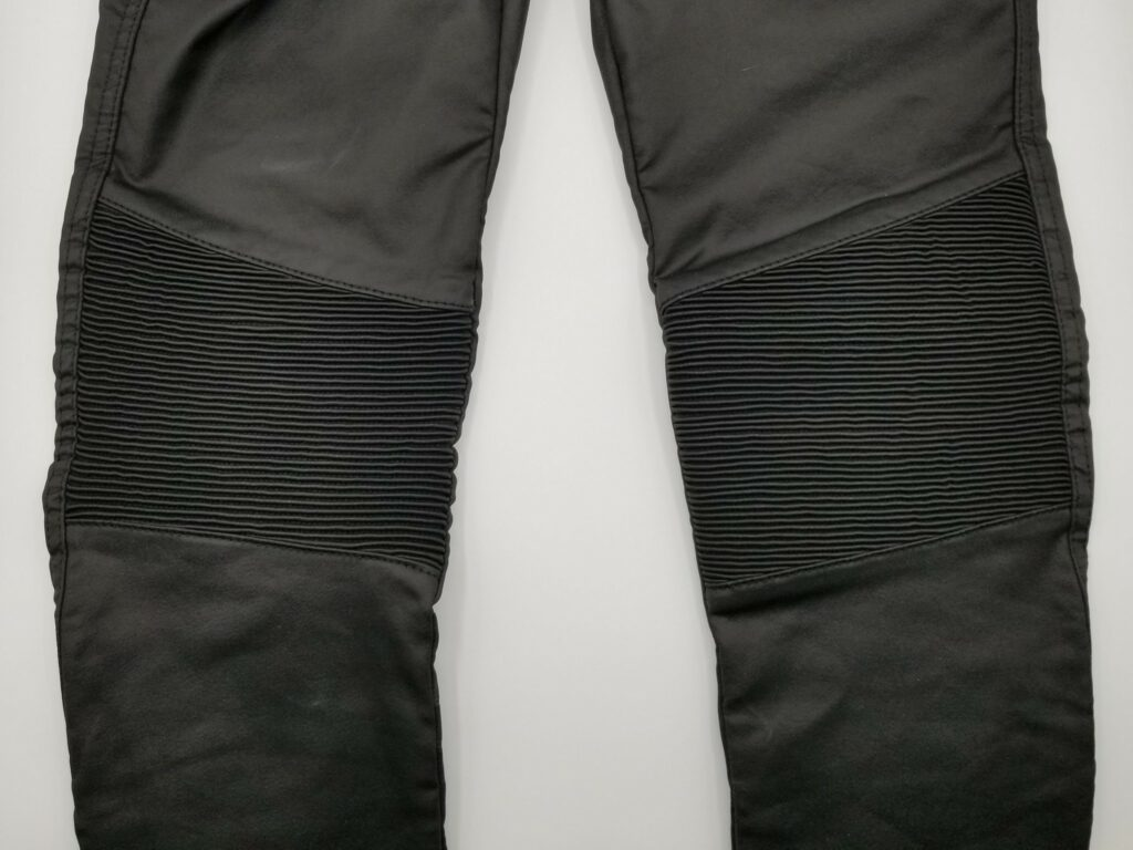 Ribbed stretch panel on Kusari KEV jeans