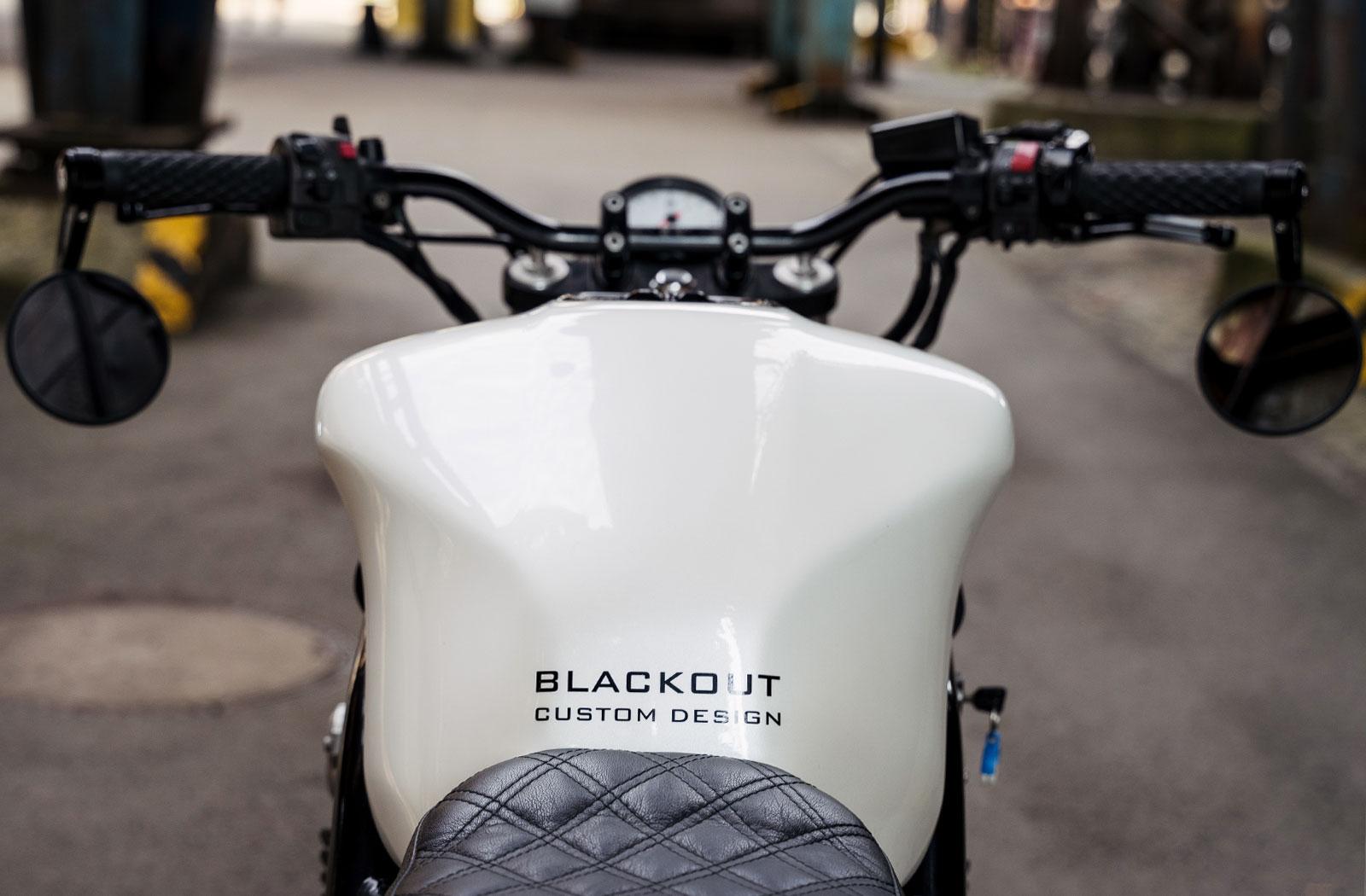 Blackout Customs Yamaha Fazer