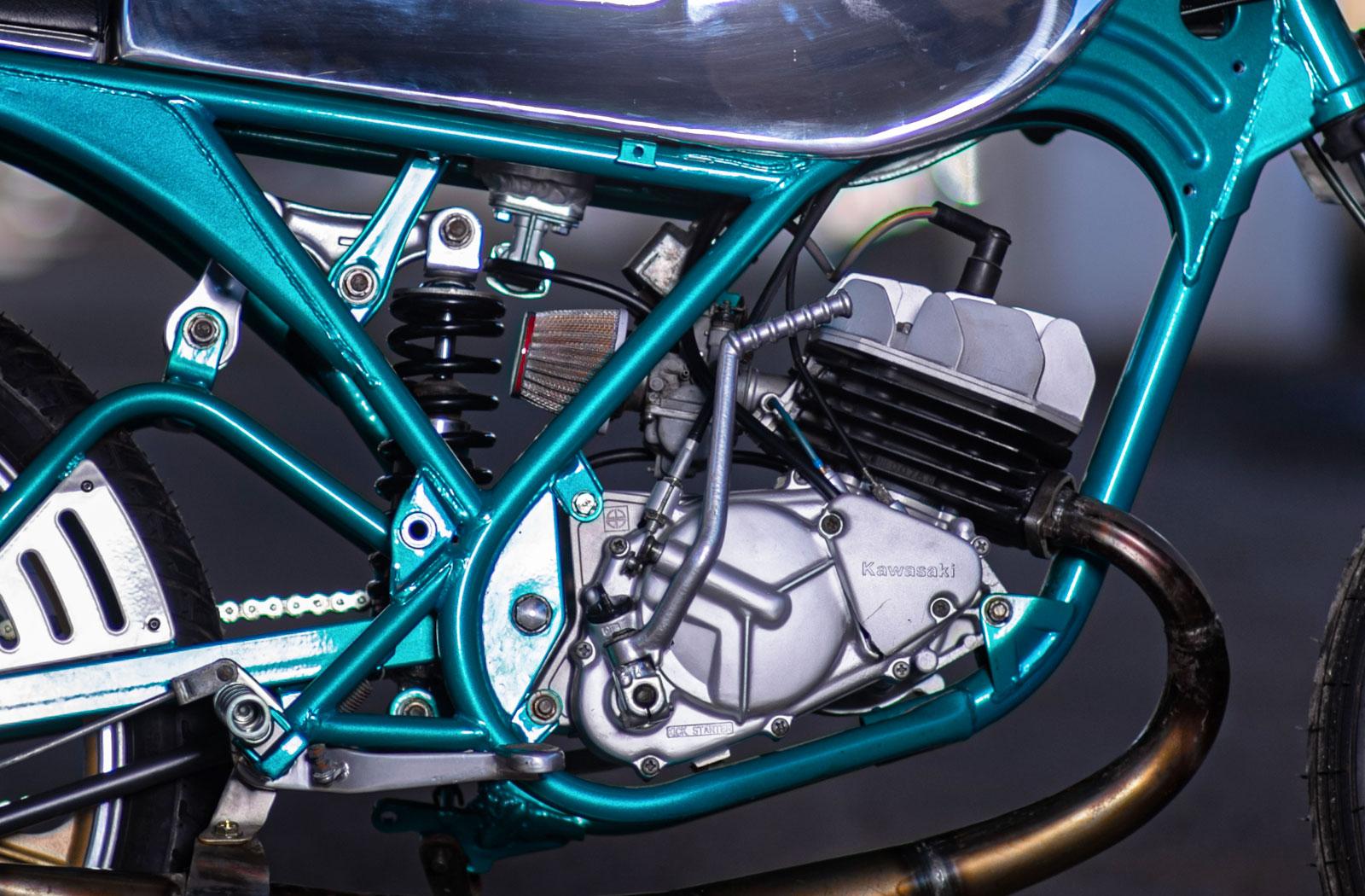 Omega Racer Kawasaki AR80